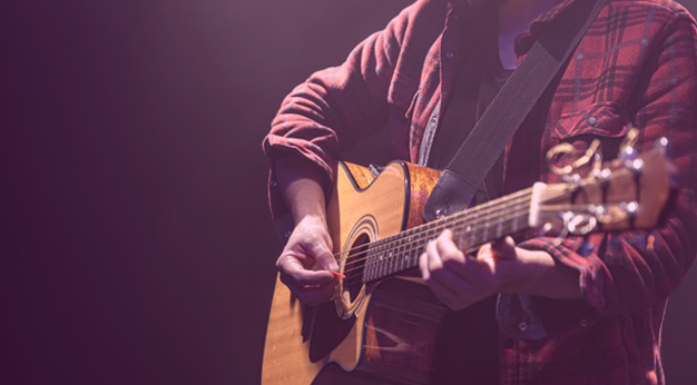 15 Best Easy Country Songs to Play on Guitar